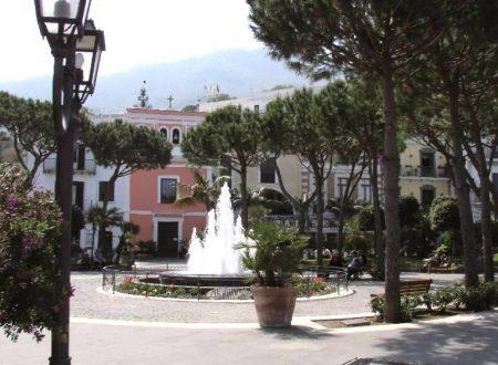 CASAMICCIOLA, IL CARNEVALE TORNA FINALMENTE IN PIAZZA MARINA (VIDEO)