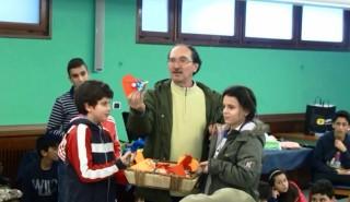 Il Professore Castagna coi suoi alunni